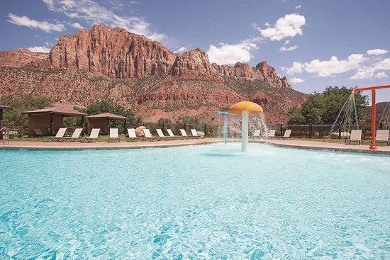 La Quinta Inn & Suites by Wyndham at Zion Park/Springdale: Pool