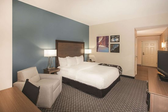 La Quinta Inn & Suites by Wyndham Chicago Downtown: Guest room