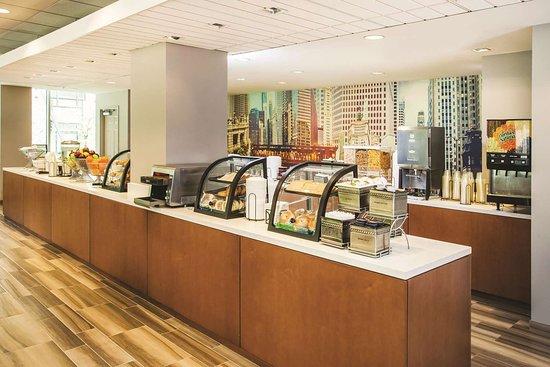 La Quinta Inn & Suites by Wyndham Chicago Downtown: Property amenity