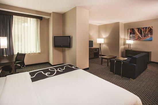 La Quinta Inn & Suites by Wyndham Chicago Downtown: Suite