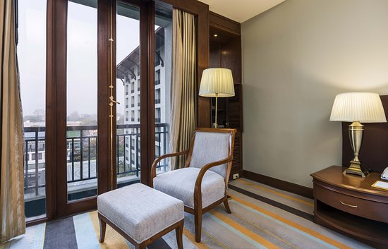 Premier Deluxe Room Pagoda View King-2