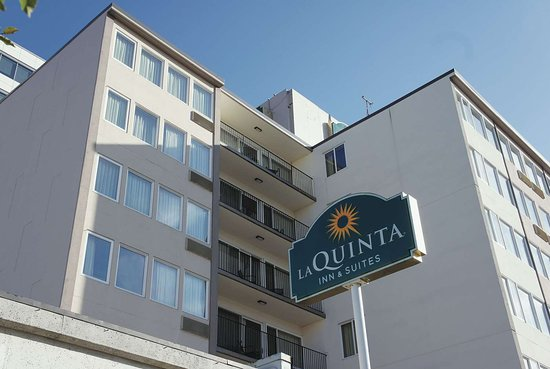 La Quinta Inn & Suites by Wyndham Seattle Downtown Hotel