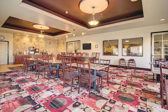 La Quinta Inn & Suites by Wyndham Denver Gateway Park: Property amenity
