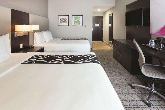 LQ Hotel by Wyndham Tegucigalpa: Guest room