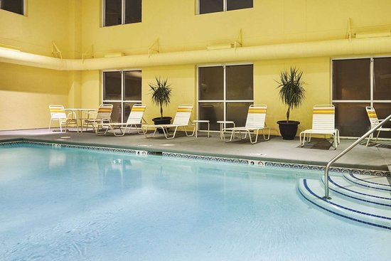 La Quinta Inn & Suites Knoxville Airport: Pool