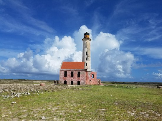 Klein Curacao Adventure Day Trip: The old lighthouse at the center of Klein Curacao