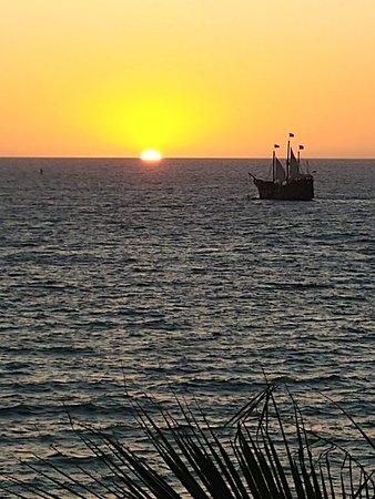 Crown Paradise Golden Resort Puerto Vallarta: Sunset view from room 1502