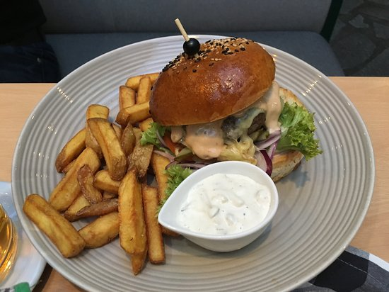 Minipivovar Krajinska 27: Burger
