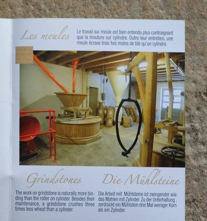 Mont-sous-Vaudrey, ฝรั่งเศส: Vaudrey : Le moulin val d'amour ouvert du lundi au samedi  -- Moulin ou l'on fabrique la farine