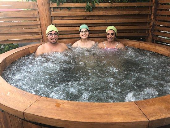 Cabin Pewma Futrono: Clientes disfrutando hot tubs