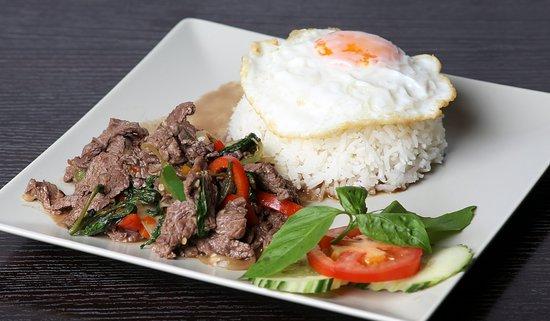 Phad Kapao boeuf