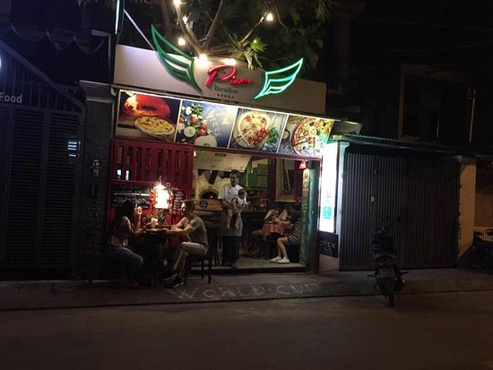 ‪‪Phu Huu‬, فيتنام: Hello Pizza Baradise Nice place great express food  Situated in Thao Dien Ward Hồ Chí minh City  Near Saigon Bridge  Recommended‬