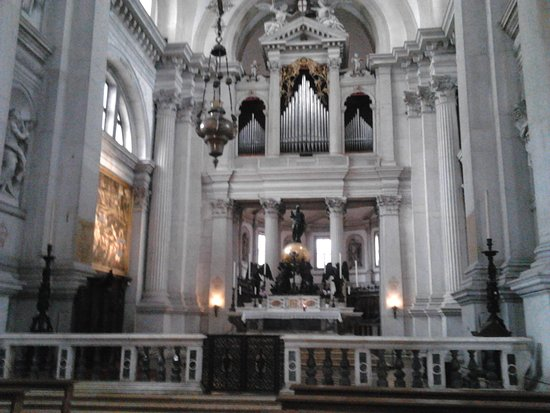 San Giorgio Maggiore: The altar