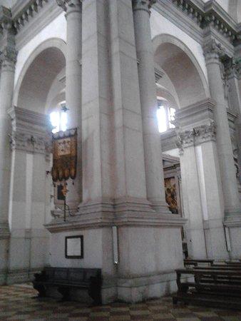 San Giorgio Maggiore: The white columns