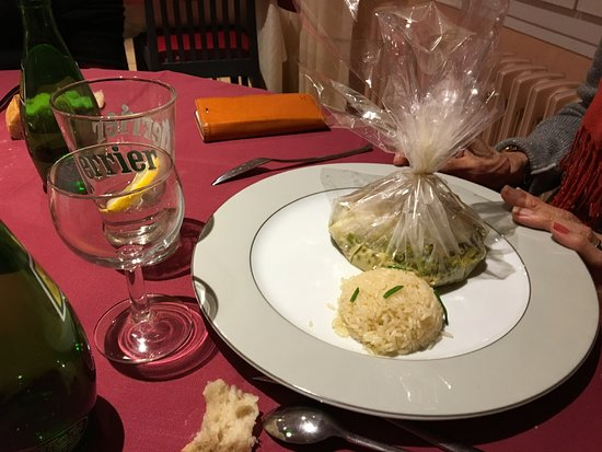 Le Montaigu Restaurant: Carta Fata  (Cabillaud) Riz Pilaf  – Légumes Frais
