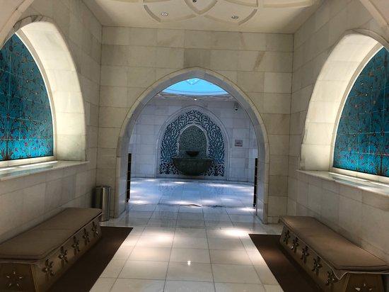 Μέγα Τέμενος του Σεΐχη Ζάιντ: vers les wc