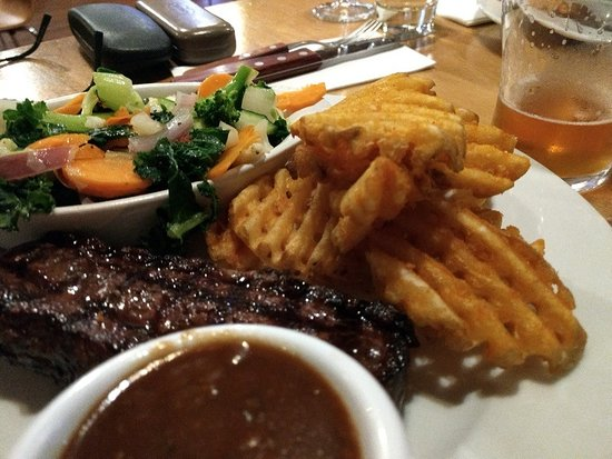 Rustlers Steakhouse and Grill: steak !