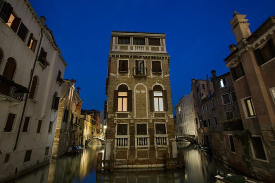 Touring Different - Venice Tours