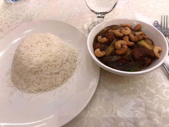 Ayass Hotel: stir fry cashew chicken. not the best