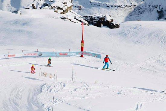 Oxygene Ski & Snowboard School : Un apprentissage du ski tout en douceur.