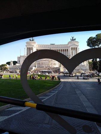 Excelente hop on ho off para disfrutar Roma en familia