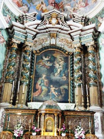 Altare Maggiore colonne torciglione di colo verde giada