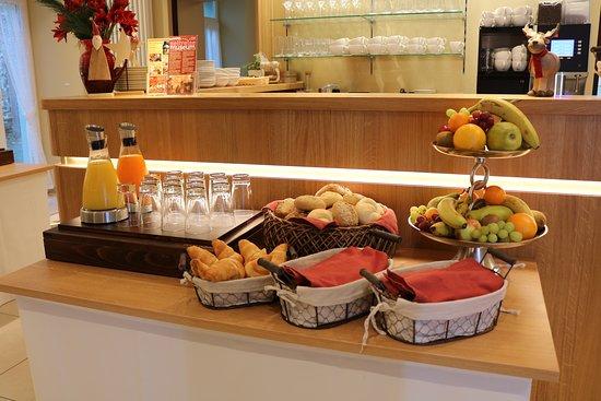 Restaurant & Wine-Café am Stadtturm: Buffet Teil 1