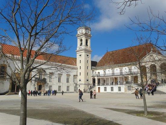 """Universidade de Coimbra Alta & Sofia: Dziedziniec i wieża """"Koza"""""""