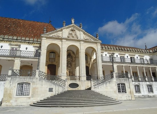 Universidade de Coimbra Alta & Sofia: Via Latina