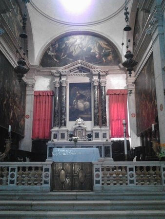 The main alter