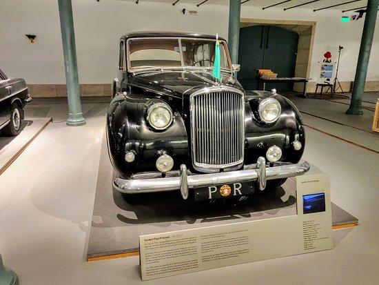 Alfandega Porto Congress Centre: Museu dos Transportes e Comunicações - Exposição Motor da República os carros dos Presidentes