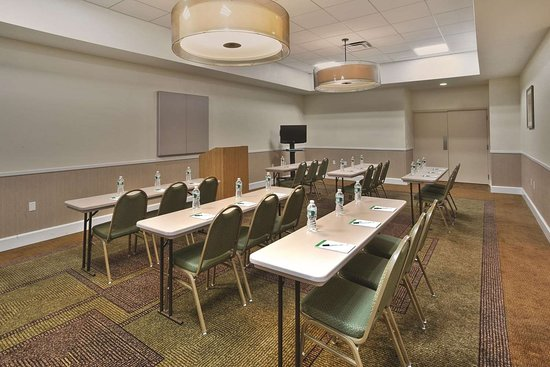 La Quinta Inn & Suites by Wyndham Danbury: Meeting Room