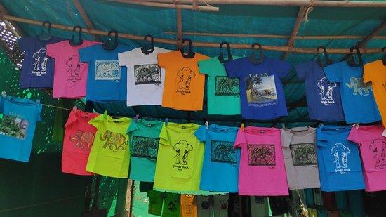 Anjuna Market: Tshirts!