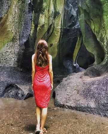 Bali : Instagrams Tour Lempuyang Temple, Tirta Gangga- Tukad Cepung , Tibumana Waterfall: also another great shot by Gede