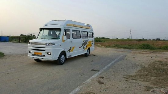 Ac ONE WAY CAB: AC Tempo Traveller One Way Hire In Delhi.
