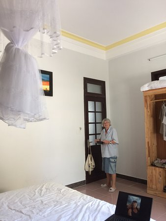 Spacious, comfortable, good value homestay with warm friendly hosts