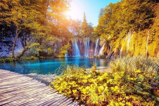 Plitvice Lakes National Park Tour fra...