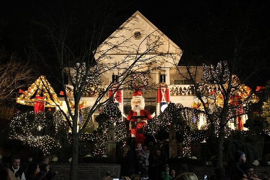 Dyker Heights Brooklyn Christmas Lights.Christmas Lights In Dyker Heights Brooklyn