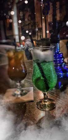 One Pub & Bistro: Cocktails!!!