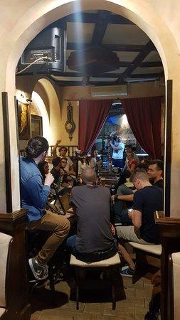 One Pub & Bistro: .