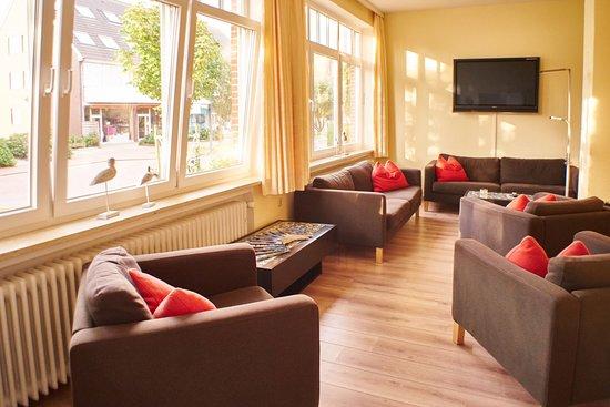 Hotel Bethanien Langeoog.: TV Zimmer - Bibliothek