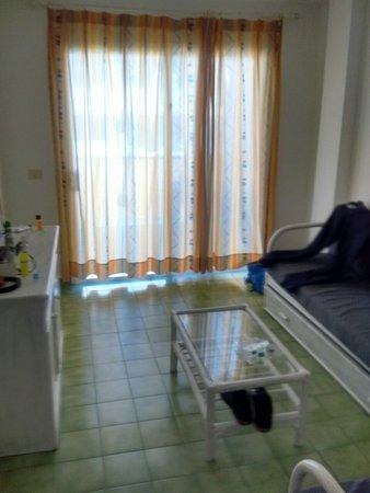 Aparthotel Caleta Garden Lounge area.