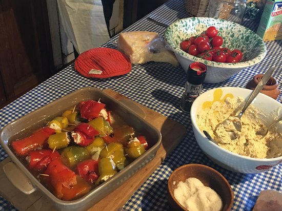 Toscana Mia Cooking Classes in Tuscany: Preparing Rolled bell peppers with ricotta cheese #Tuscany #Food #Italy