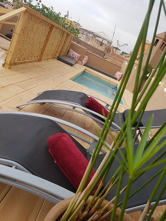 New swimming pool in Riad Jnan El Cadi on the terrace to refresh this summer in Marrakech!