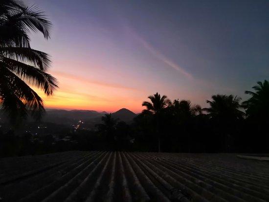 Jardin botaniques Royal à Kandy, coucher de soleil et lever de soleil de Kandy.