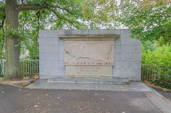 Monument zur Erinnerung an die Opfer der Nazibesatzung und des Krieges