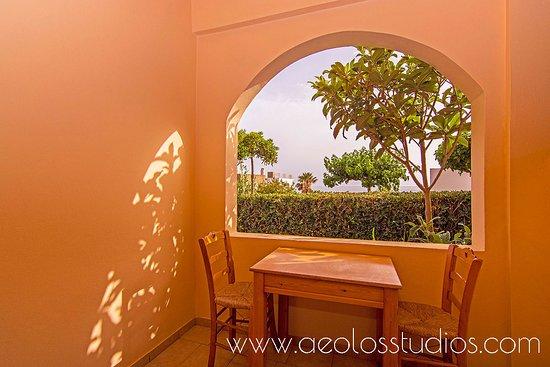 www.aeolosstudios.com