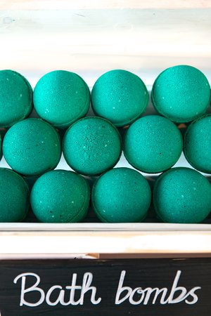 Sea La Vie Bath Bombs.
