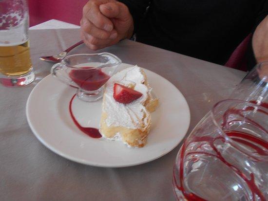 Le Clos de la Roseraie: dessert crepes chantilly coulis!!!!!!!!!!