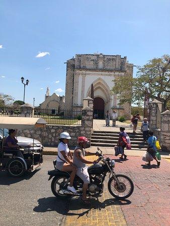 Uman, Mexique : Mercado de alimentos muy sucio